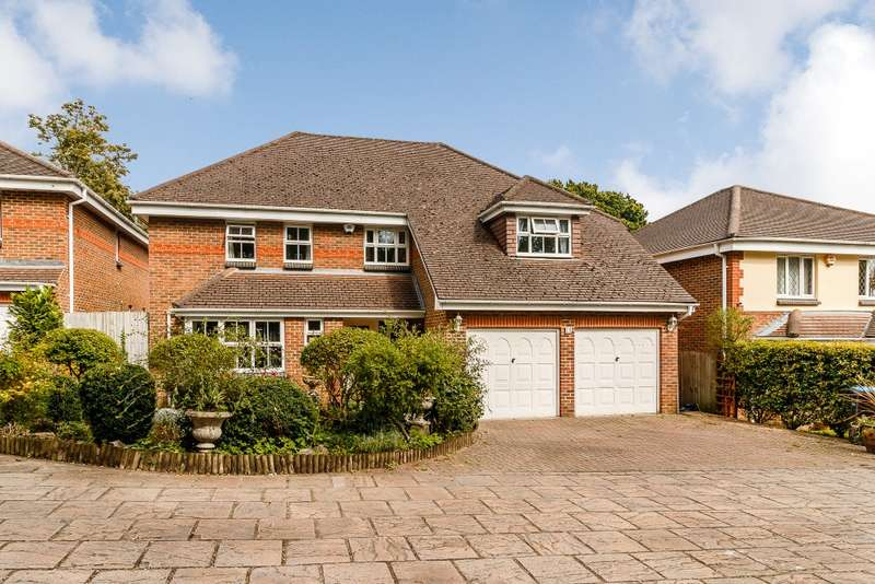 5 Bedrooms Detached House for sale in Row Town
