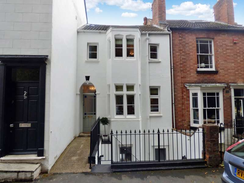 4 Bedrooms Terraced House for sale in Woodbine Street, Leamington Spa