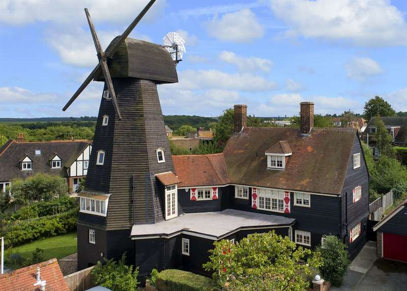 5 Bedrooms Detached House for sale in Millers Court, Whitstable