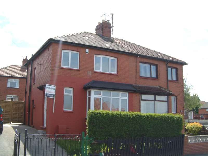 3 Bedrooms Semi Detached House for sale in Thorpe Road, Pudsey, Leeds, West Yorkshire, LS28