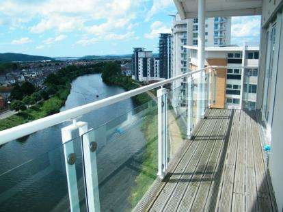2 Bedrooms Flat for sale in Penstone Court, Chandlery Way, Cardiff, Caerdydd