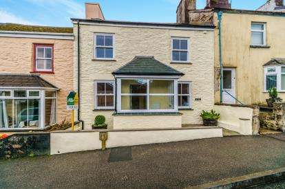 3 Bedrooms Terraced House for sale in Callington, Cornwall, Callington