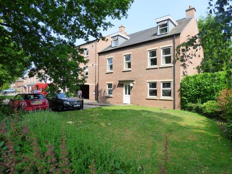 3 Bedrooms Flat for sale in Imperial Place, Leamington Spa