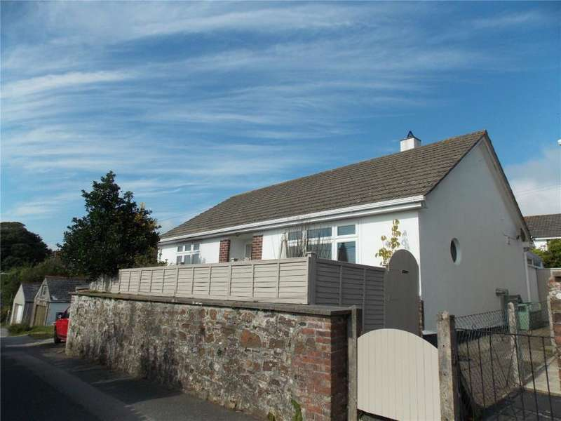 2 Bedrooms Detached Bungalow for sale in Clinton Close, Redruth