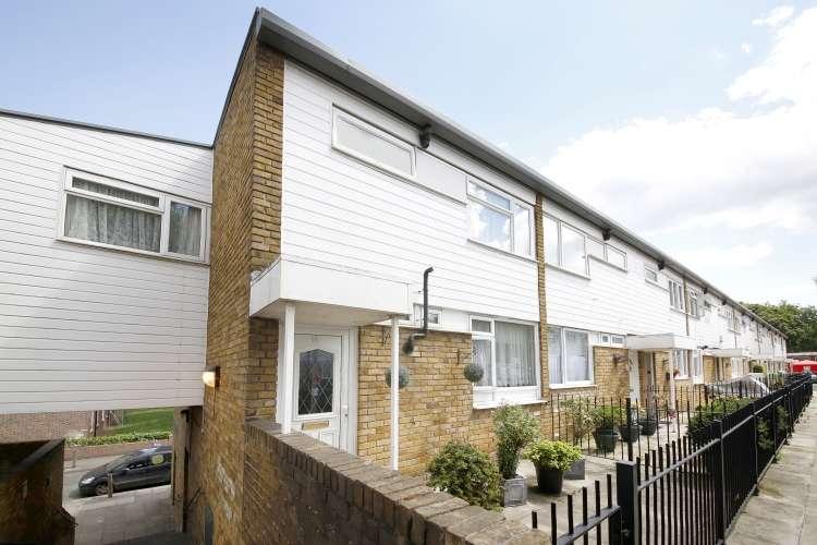 4 Bedrooms Maisonette Flat for sale in Bessingham Walk Brockley SE4