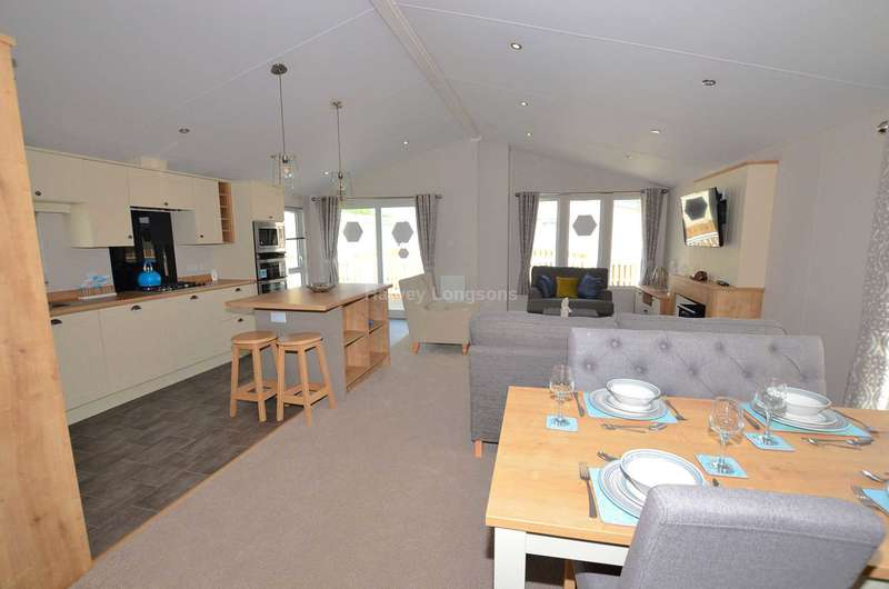 2 Bedrooms Lodge Character Property for sale in Whitstable, Kent