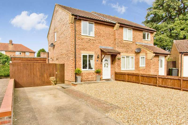 2 Bedrooms Semi Detached House for sale in Nicholas Hamond Way, Swaffham