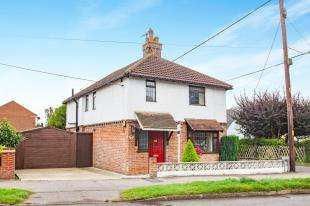 3 Bedrooms Detached House for sale in Rough Common Road, Rough Common, Canterbury, Kent
