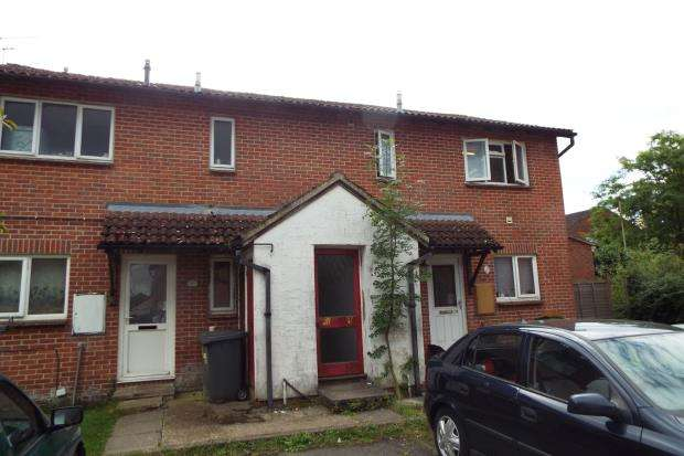 1 Bedroom Flat for sale in Tadley, Hampshire, England