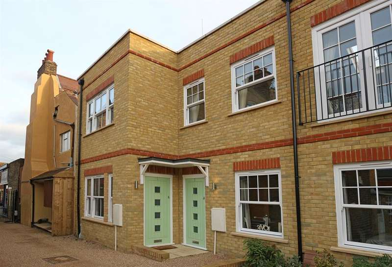1 Bedroom Duplex Flat for sale in Viscount Mews, Chislehurst, BR7 5FD