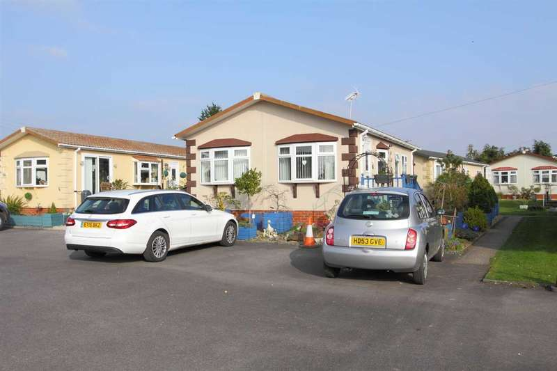 2 Bedrooms Bungalow for sale in Mullenscote Mobile Home Park, Dauntseys Lane, Andover