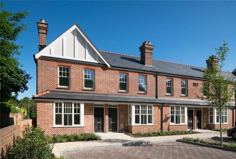 2 Bedrooms Terraced House for sale in Portland Gardens, Malthouse Way, Marlow, Buckinghamshire, SL7