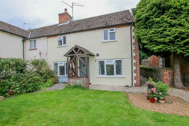 3 Bedrooms Semi Detached House for sale in 12 Station Road, Great Massingham