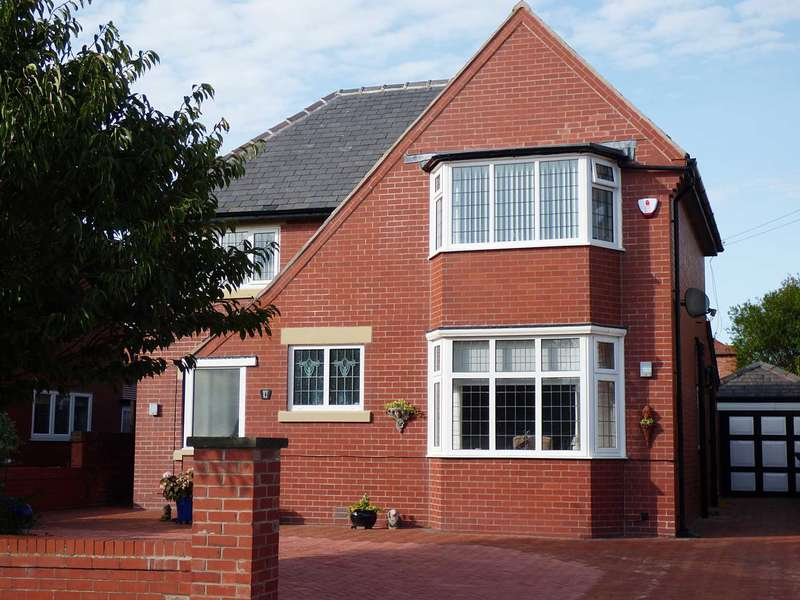 3 Bedrooms Detached House for sale in Newbury Road, St Annes