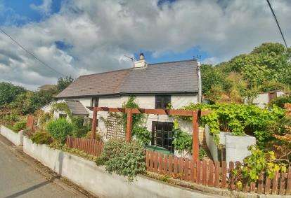 3 Bedrooms Detached House for sale in Chacewater, Truro, Cornwall