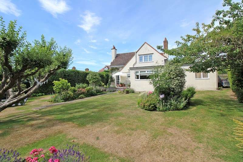 3 Bedrooms Detached House for sale in George Road, Milford On Sea, Lymington