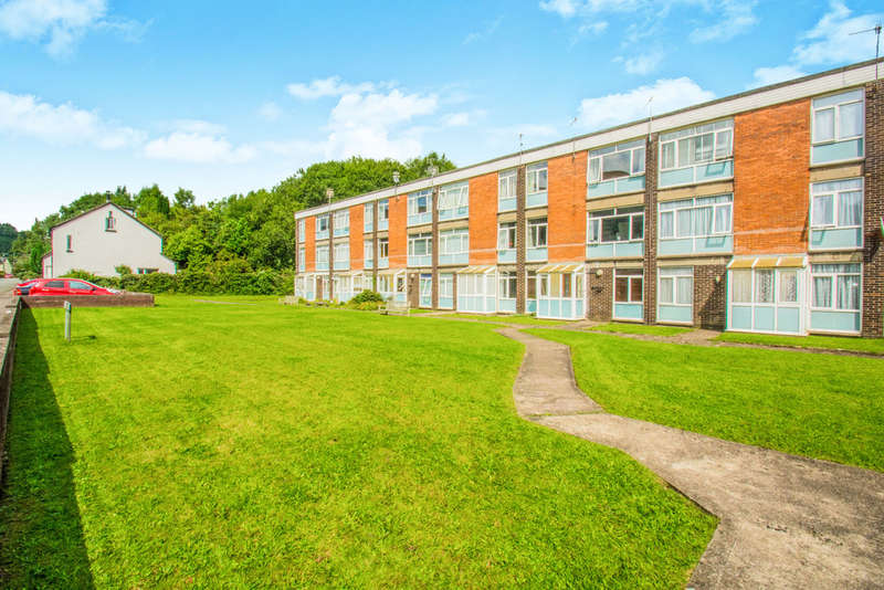 1 Bedroom Ground Flat for sale in Bryn Coch, Taffs Well, Cardiff