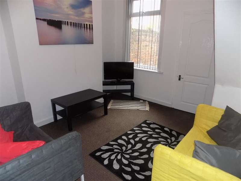 2 Bedrooms Terraced House for rent in Laurel Street, Middlesbrough, TS1 3DR