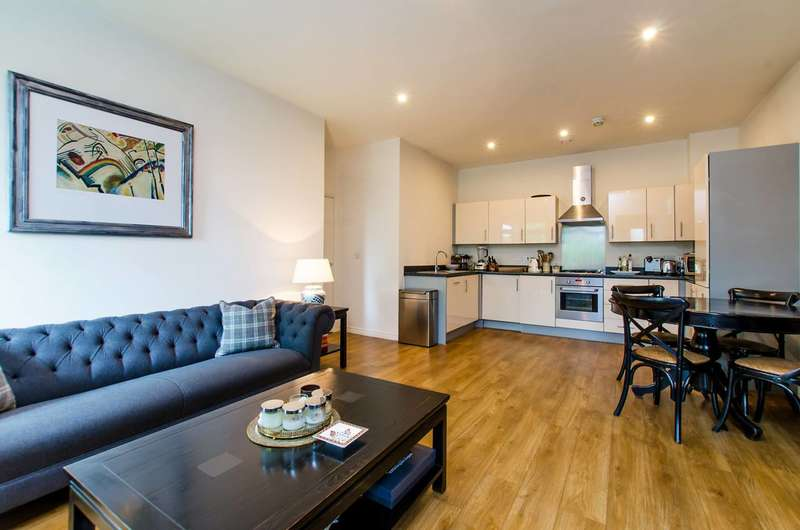 2 Bedrooms Maisonette Flat for sale in Old Devonshire Road, Balham, SW12