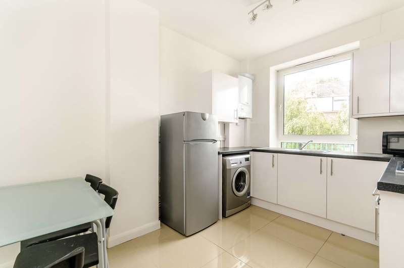 3 Bedrooms Flat for sale in Irwell Estate, Canada Water, SE16