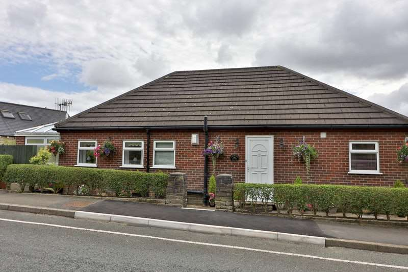 2 Bedrooms Bungalow for sale in Standedge Road, Oldham, Greater Manchester, OL3