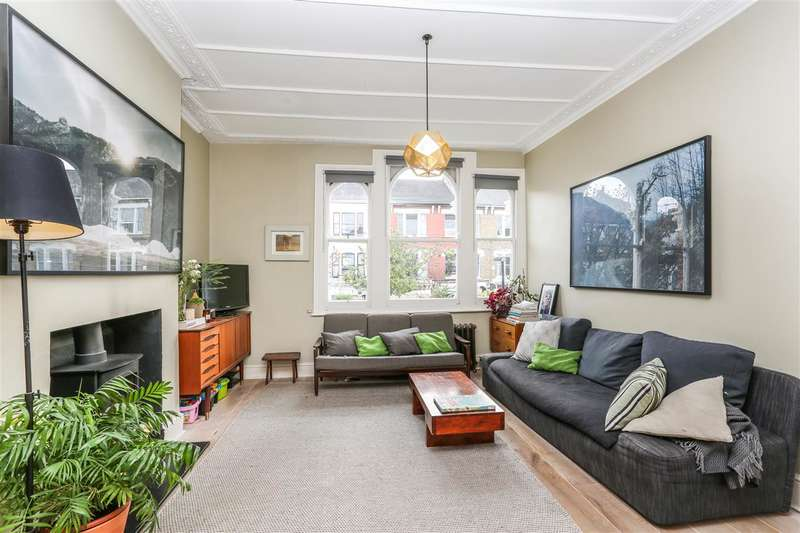 3 Bedrooms Apartment Flat for sale in Yerbury Road, London