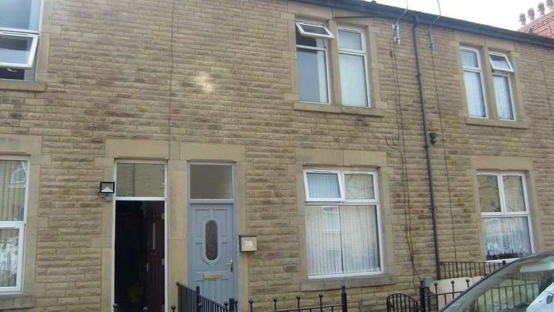 3 Bedrooms Terraced House for sale in Clarkson Street, Dewsbury