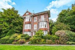 3 Bedrooms Maisonette Flat for sale in The Common, Tunbridge Wells, Kent