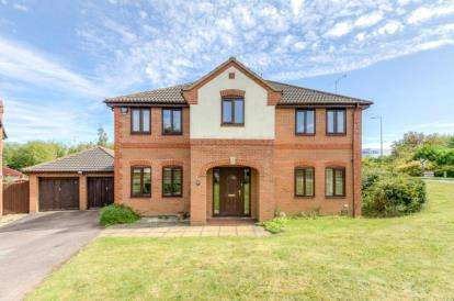 4 Bedrooms Detached House for sale in Pondgate, Kents Hill, Milton Keynes