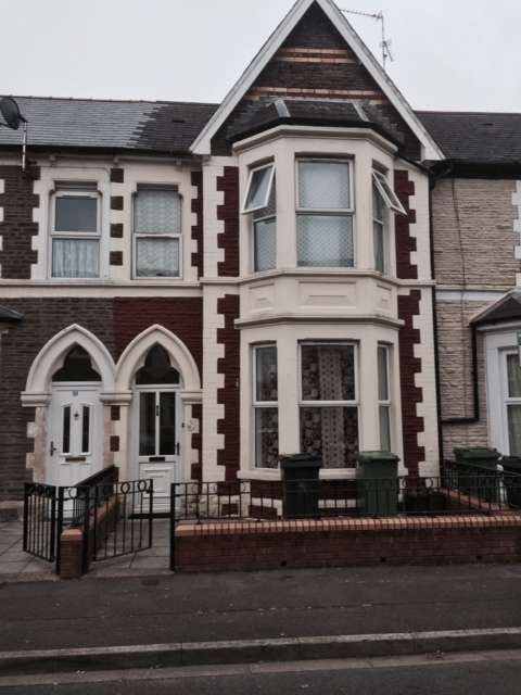 4 Bedrooms Terraced House for sale in De Burgh Street, Cardiff, CF11
