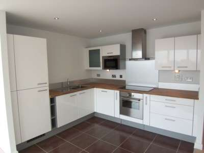 2 Bedrooms Apartment Flat for sale in Alaska Apartments, Segull Lane, Docklands, London