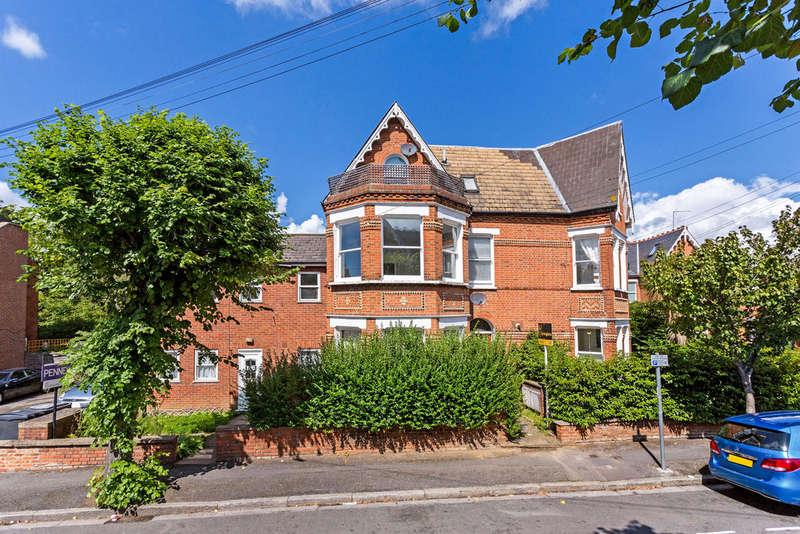1 Bedroom Flat for sale in Brunswick Road, Kingston upon thames, KT2