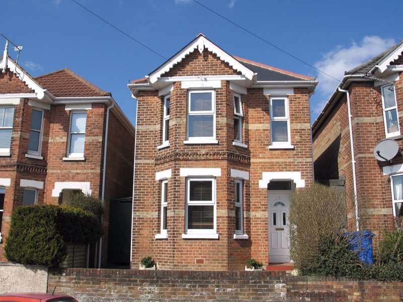 3 Bedrooms Detached House for sale in Albert Road, Poole, BH12