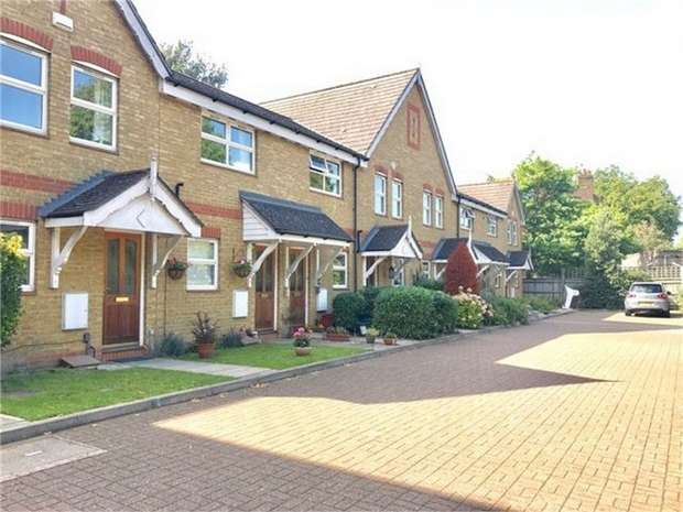 2 Bedrooms Terraced House for sale in Busch Close, Isleworth, Middlesex