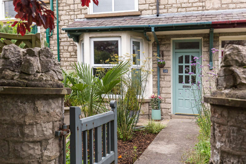 2 Bedrooms Terraced House for sale in 149 Windermere Road, Kendal, Cumbria LA9 5ES