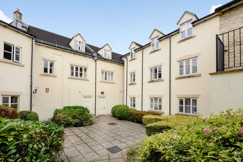 2 Bedrooms Flat for sale in Nailsworth