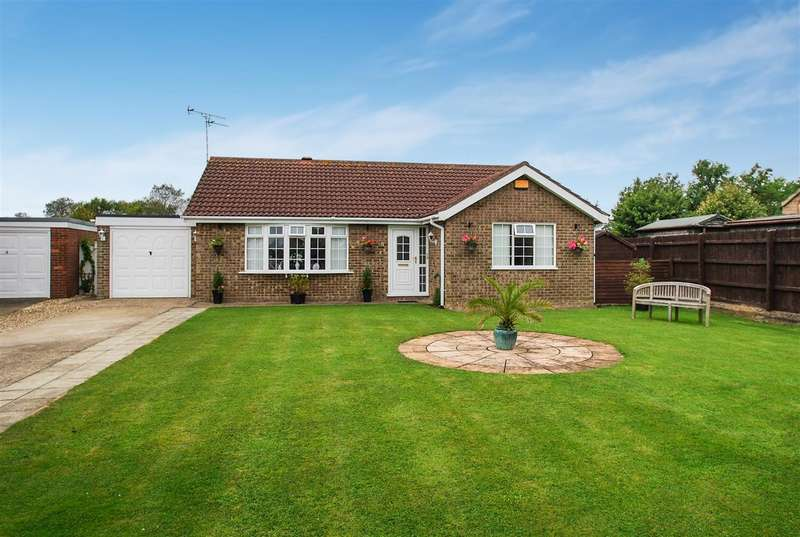 2 Bedrooms Bungalow for sale in Fulford Way, Skegness