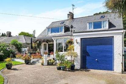 4 Bedrooms Detached House for sale in Ffordd Y Glyn, Llanbedrog, Gwynedd, ., LL53