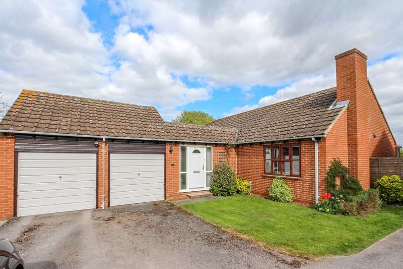 3 Bedrooms Bungalow for sale in Orchard Close, Shillingford