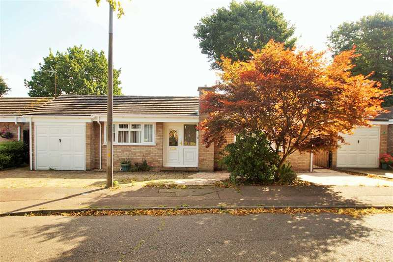 3 Bedrooms Bungalow for sale in Delamere Road, St. Johns, Colchester