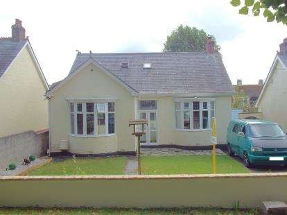 3 Bedrooms Bungalow for sale in Bodmin, Cornwall