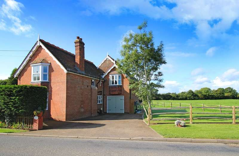 4 Bedrooms Detached House for sale in Langhurstwood Road, Horsham