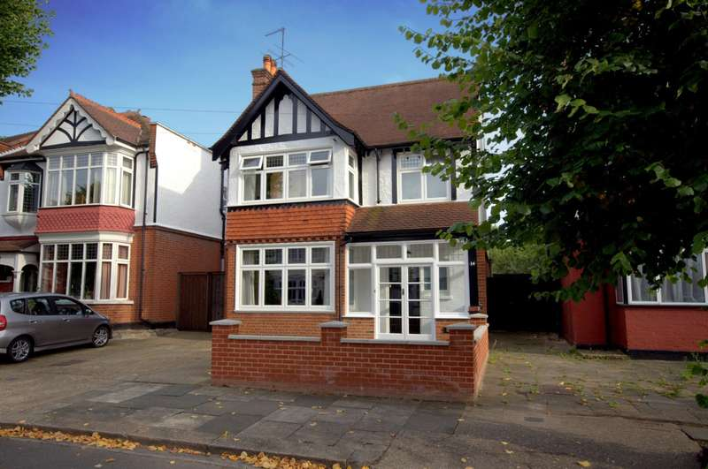 6 Bedrooms Detached House for sale in New Malden