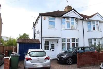 3 Bedrooms Property for sale in Spencer Road, Harrow Weald