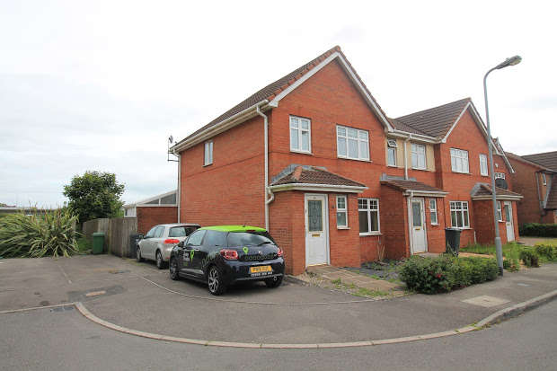 3 Bedrooms Semi Detached House for sale in Glan Rhymni, Cardiff, CF24