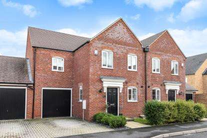 3 Bedrooms Semi Detached House for sale in Waratah Drive, Chislehurst