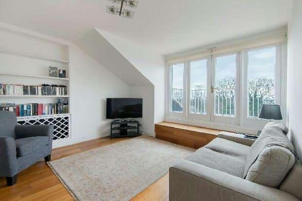 2 Bedrooms Flat for sale in Upper Park Road, Belsize Park, NW3