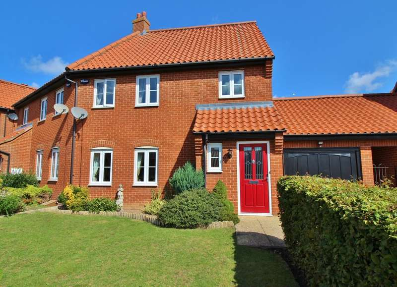 3 Bedrooms Semi Detached House for sale in Garnett Drive, Easton, Norwich