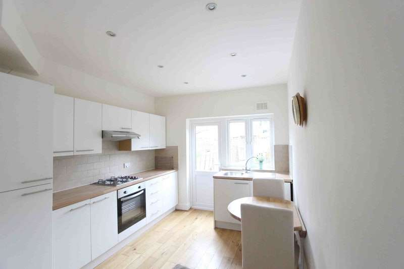 2 Bedrooms Maisonette Flat for sale in Avondale Road, London, London, SW14