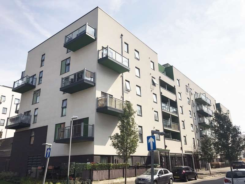 1 Bedroom Flat for sale in Crown Drive, Romford, Essex, RM7